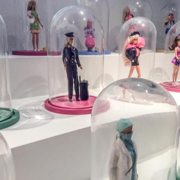misskittenheel vintage curvy plussize paris-barbie exhibition 03