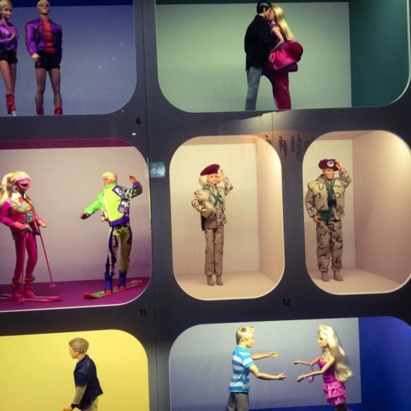 misskittenheel vintage curvy plussize paris-barbie exhibition 06
