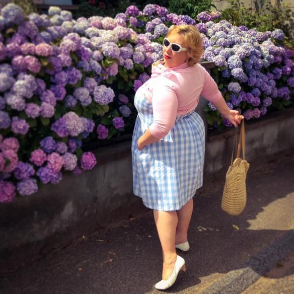 MissKittenheel Alsace Itterswiller babyblue Gingham Check Dress LindyBop Colette 05