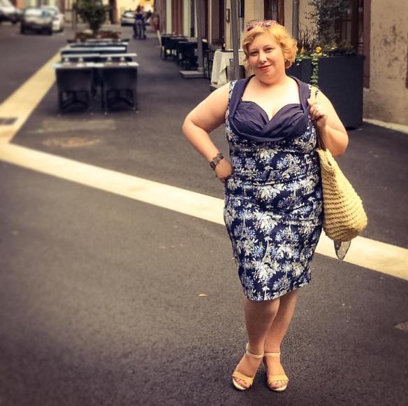 MissKittenheel Eiffeltower Dress LindyBop Vanessa Navy Selestat 08