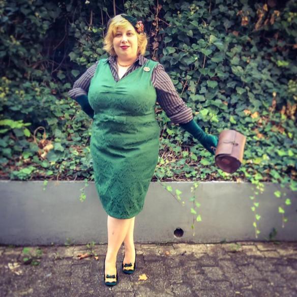 misskittenheel-vintage-plussize-lindybop-jekyll-jekyll-green-jaquard-tuk-fox-heels-04