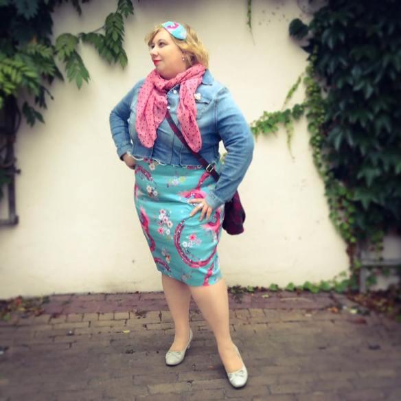 misskittenheel-vintage-plussize-diyyourcloset-lindybop-peacock-fascinator-hat-millinery-09