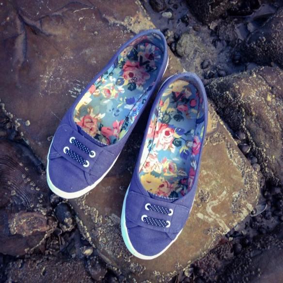 misskittenheel-vintage-plussize-dolly-dotty-tartan-anna-stewart-navy-marine-autumn-01