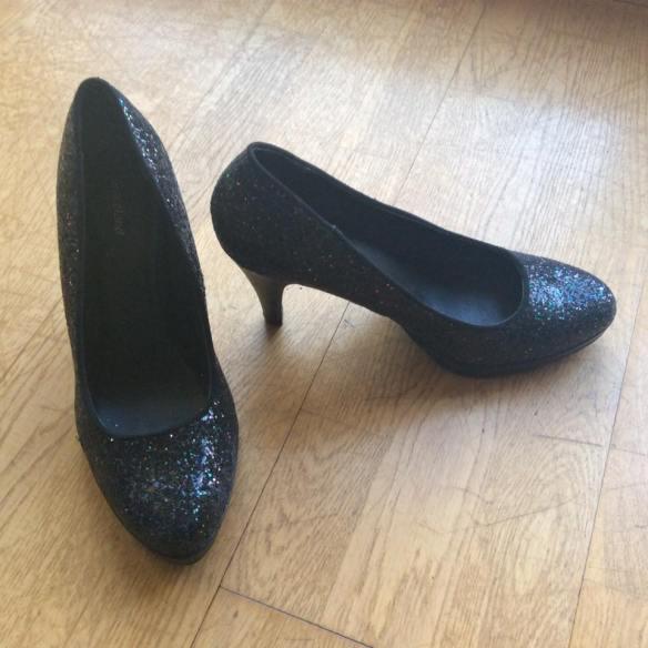 misskittenheel-vintage-plussize-frenchcurves-bomber-feminin-asos-glitter-heels-01
