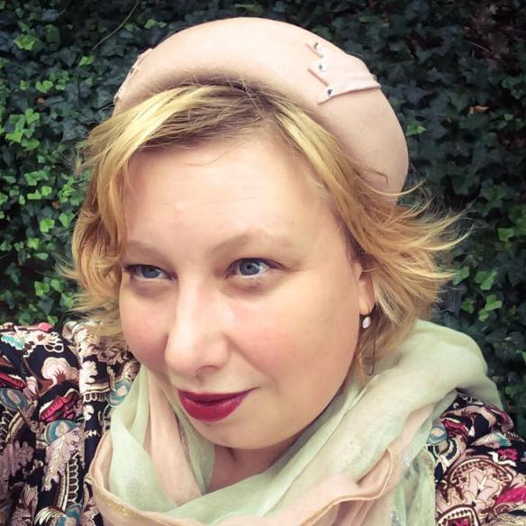 misskittenheel-vintage-plussize-vintage-lindybop-holly-tapestry-fraeuleinanders-modejahr2016-09
