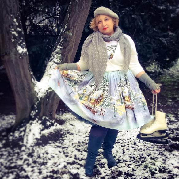 misskittenheel-vintage-plussize-pinup-berniedexter-winterwonderland-dress-snow-christmas-noveltyprint-05