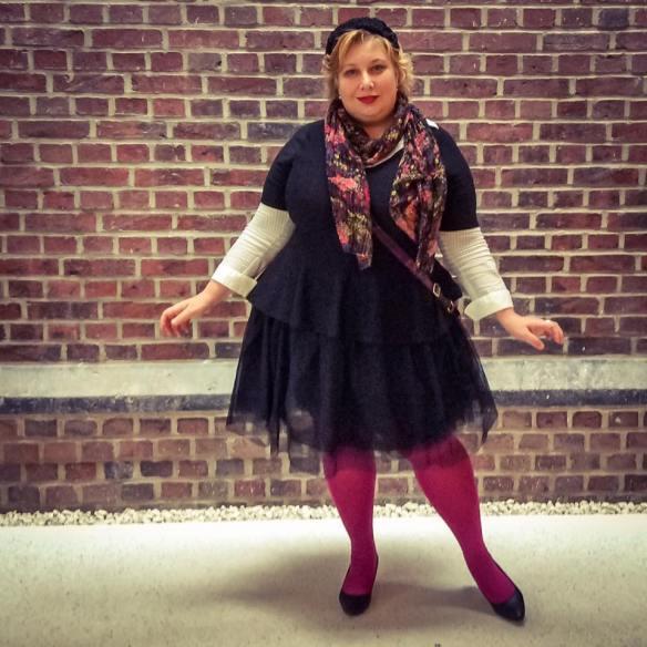 misskittenheel-vintage-plussize-tulle-skirt-ballerina-black-swan-peplumtop-pink-01