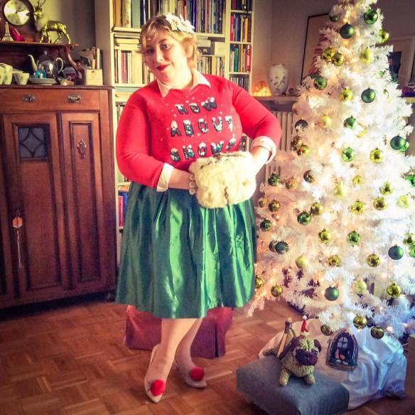 misskittenheel-vintage-plussize-curvy-christmas-ugly-sweater-lindybop-2016-03