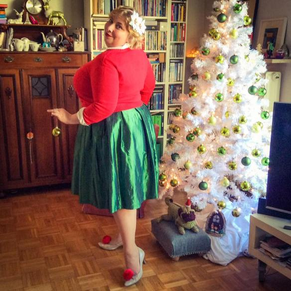 misskittenheel-vintage-plussize-curvy-christmas-ugly-sweater-lindybop-2016-06