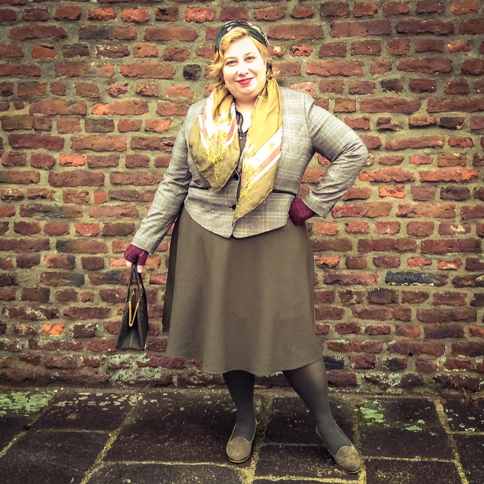 French Curves: Khaki Country