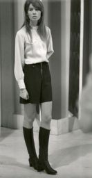 Mini skirt worn by Françoise Hardy