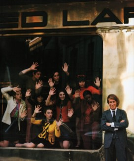 jacques-dutronc-photographed-by-jean-marie-perier-at-the-front-of-the-ted-lapidus-boutique-in-paris-june-1967