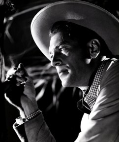 gary-cooper-photographed-by-robert-coburn-for-the-cowboy-and-the-lady-1938