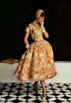 model-wearing-a-dress-by-jean-patou-for-lofficiel-de-la-mode1955
