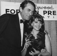 at-the-golden-globes-gregory-peck-and-natalie-wood