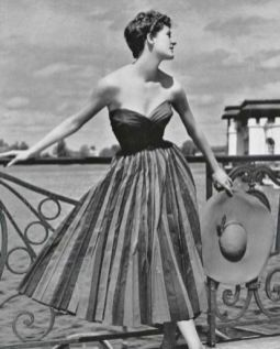 dress-1953-by-french-fashion-designer-maggy-rouff