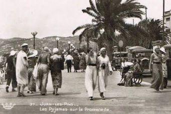 Juan-Les-Pins - Pyjamas sur la Promenade
