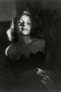 Rita Hayworth Horst 1947