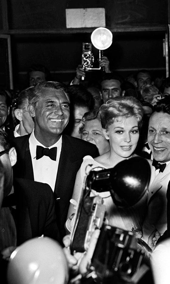 Cary Grant and Kim Novak