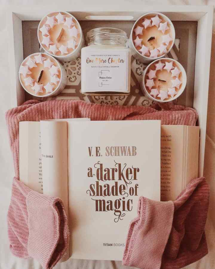 A Darker Shade Of Magic By V.E. Shwab, book review, YA Fantasy book blogger, bookstagram, goodreads