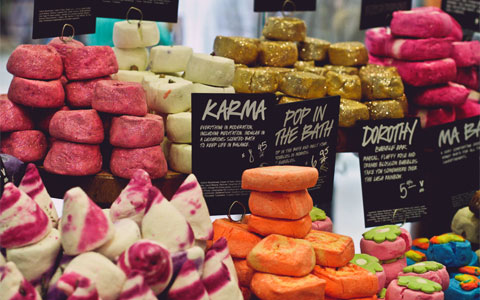 "An example photo of how LUSH displays their fresh products. (Image taken from ""Her Daydreams"" blog.)"