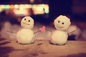 snowmen couple love during the holiday season