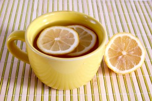lemon in tea is a healthy drink