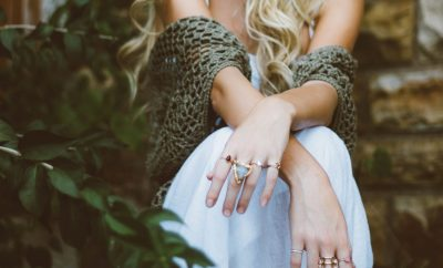 girl wearing rings showing engagement ring alternatives