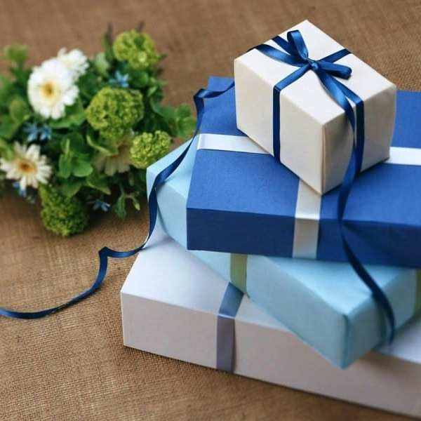 7 Ways to Make Buying Gifts Better