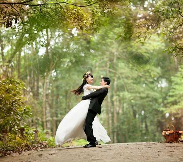 Outsourcing Your Wedding: Pros And Cons Of Wedding Planner Services