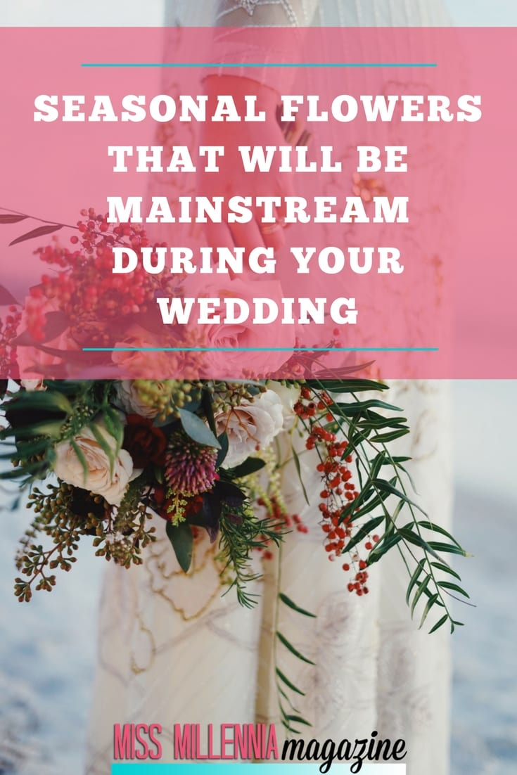 If you want a budget-friendly floral decoration on your wedding day, you can go for locally grown flowers with a suitable combination of seasonal flowers.