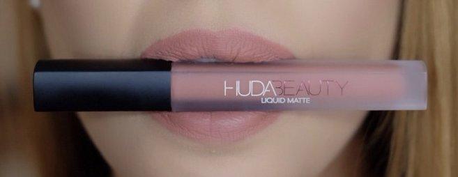 Huda Beauty Bombshell 4