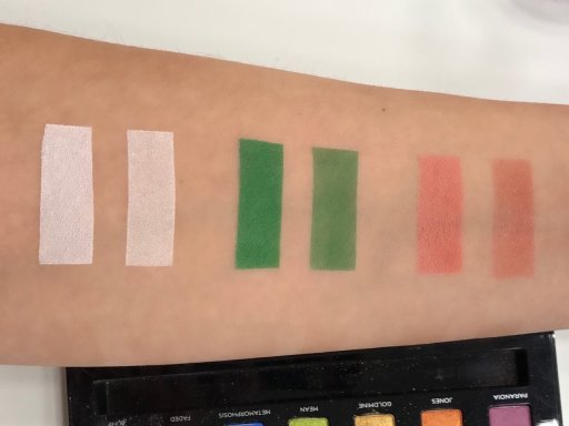 Urban Decay Eyeshadow Primer Potion Swatches 1