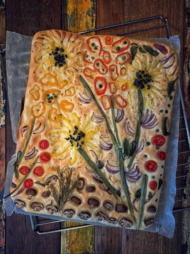 Focaccia Blumengarten Brotkunst