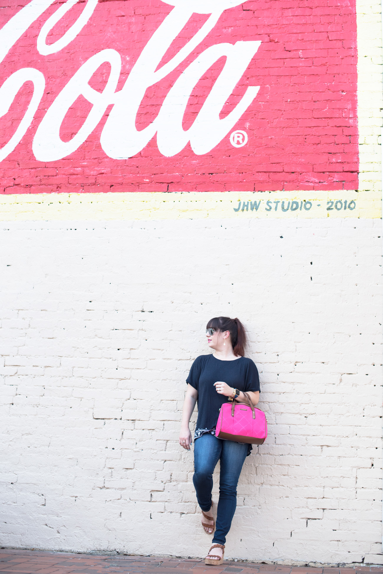 Styling a navy LOFT tee and a Vera Bradley Satchel for a Mississippi fish fry.