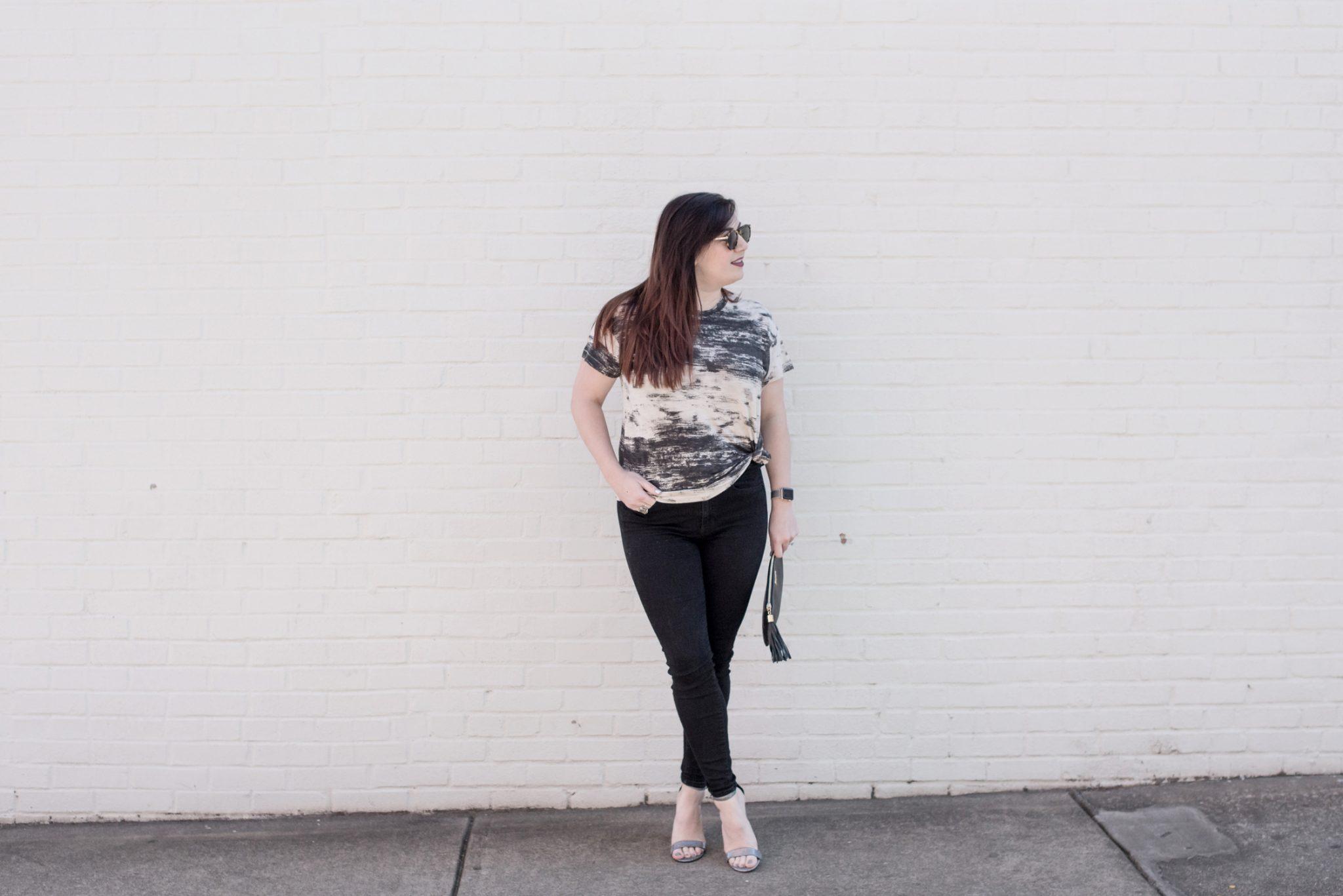 How to Dress Up a Basic Tee with Metallic Heels via @missmollymoon