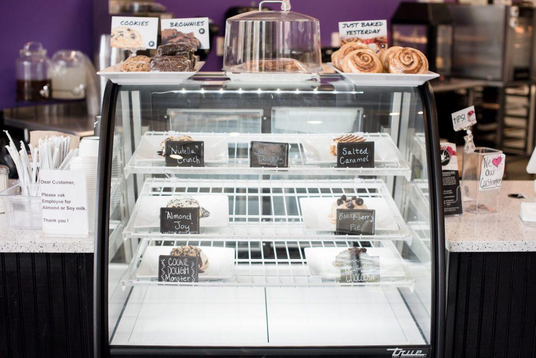Best Places to Eat in Athens, GA | Vegan Cinnamon Rolls in Athens | Cinnaholic via @missmollymoon