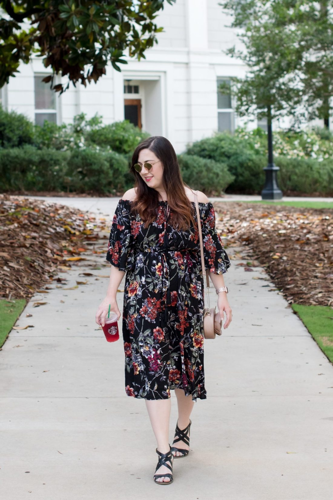 A Flirty Floral Dress via @missmollymoon
