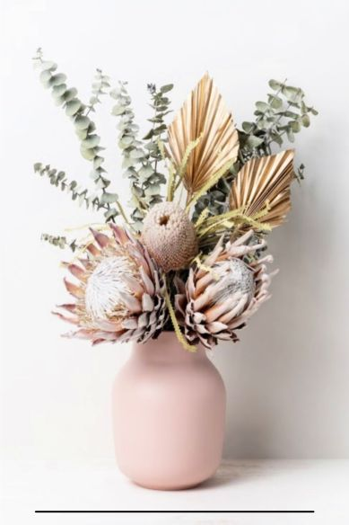 Artificial flowers arrangement for spring decor