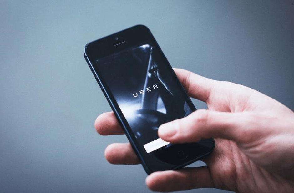 Become an Uber or Lyft driver to make money for Christmas