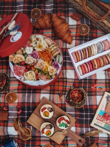 Colourful macarons are perfect for taking cute picnic food ideas photos