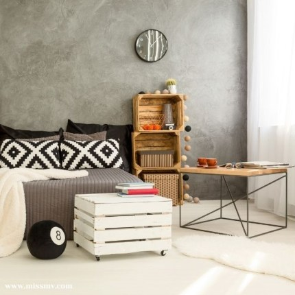 Creative way to use wooden crate for living room furniture
