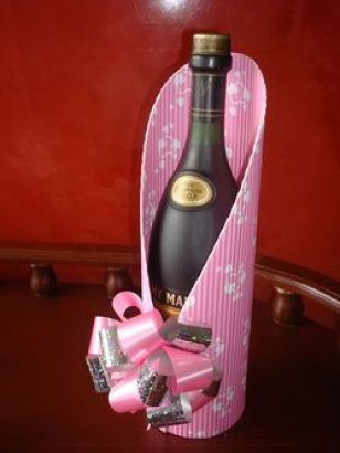 Creative wine bottle wrapping idea