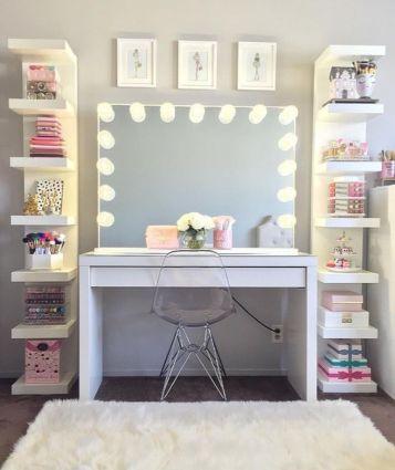 Cute bedroom decor for teenage room. Vanity mirror with light bulbs for teenage makeup setup