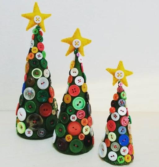 DIY Mini Christmas button tree