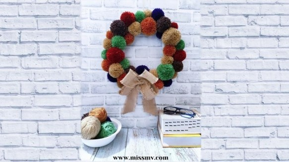 DIY pom pom Wreath step by step
