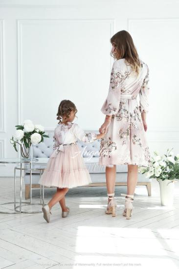 Elegant spring dresses mother and daughter