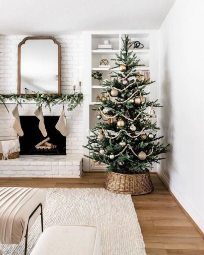 Minimalist Christmas tree with oversized decorations