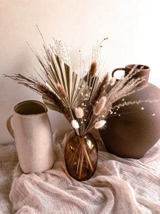 Mix of dried palm leaves and bunny tail flowers a real luxury bouquet