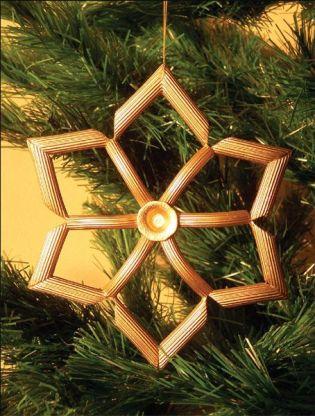 Pasta ornaments - Easy Christmas tree ornaments. Penne pasta christmas tree star DIY